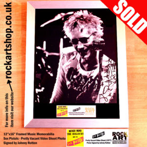 SEX PISTOLS JOHNNY ROTTEN SIGNED PHOTO FRAMED MUSIC MEMORABILIA