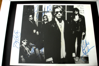 Photo Signed by all 5 Members of Bon Jovi