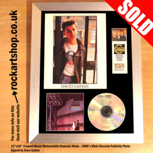 DEPECHE MODE MUTE PUBLICITY PHOTO SIGNED BY DAVE GAHAN