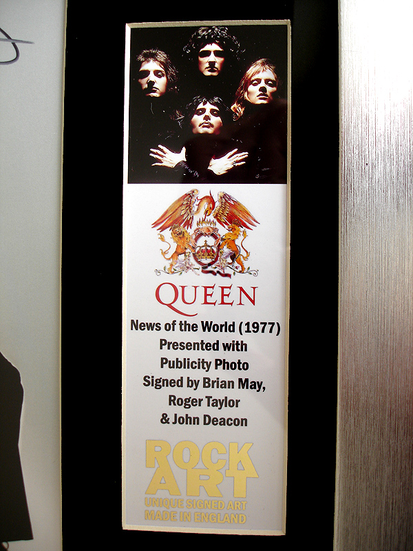 Queen Signed Cd Photo Brian May Roger Taylor John Deacon