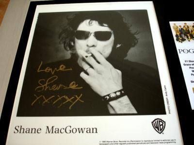 SHANE MACGOWAN SIGNED PHOTO